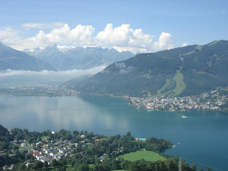 Ein Blick auf Zell am See (Foto: Wikimedia Commons - Bestzeller / Public Domain)